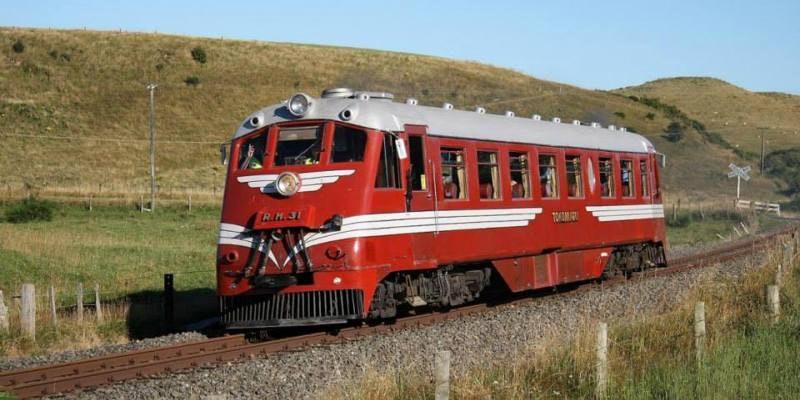 Ride the Railcar to Deco